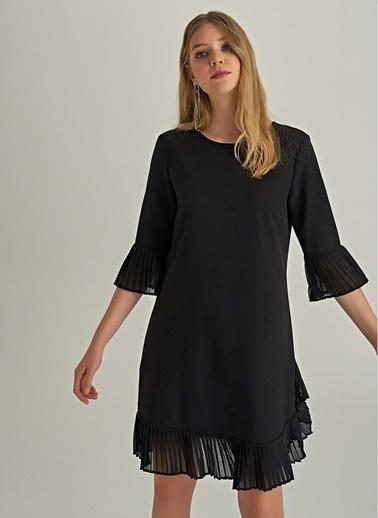 NGSTYLE Plise Detaylı Mini Elbise Siyah